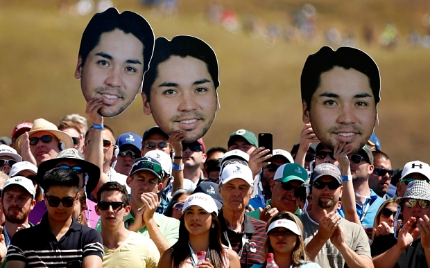 UNIVERSITY PLACE, WA - JUNE 21:  Fans of Jason Day watch the play on the first tee during the final round of the 115th U.S. Open Championship at Chambers Bay on June 21, 2015 in University Place, Washington.  (Photo by Ezra Shaw/Getty Images)